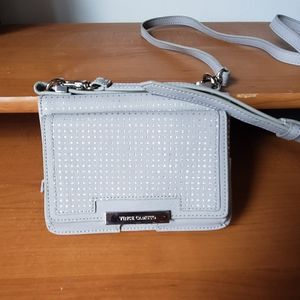 Cute Vince camuto small crossbody